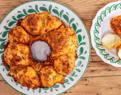 Cheesy-Stuffed Monkey Bread With Roasted Garlic
